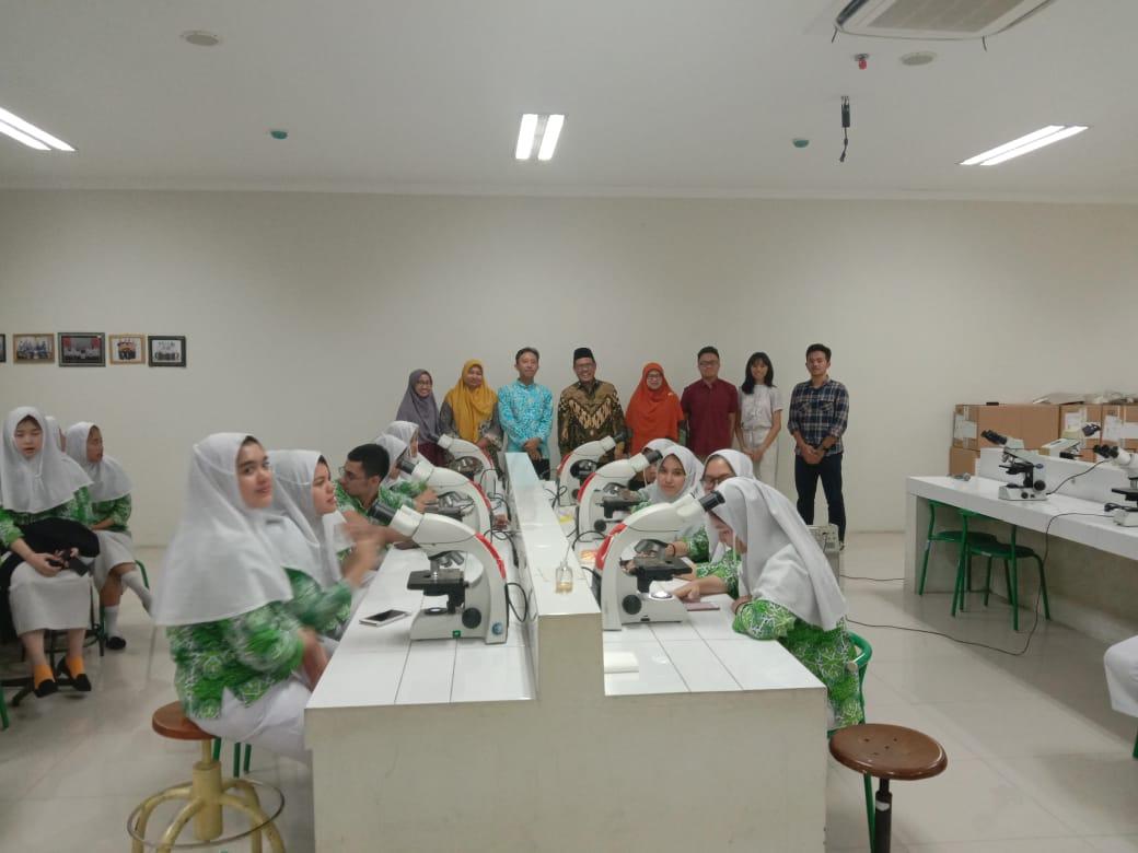 Kunjungan SMA Islam Al Azar Jakarta Selatan di Prodi Kedokteran