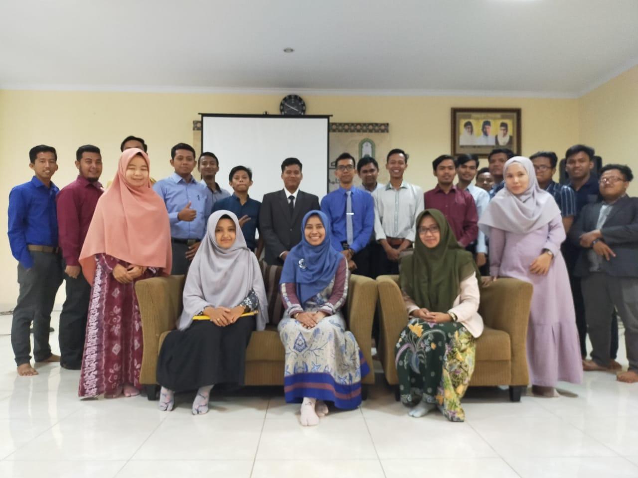 Narasumber dan instruktur workshop Research Methodology and Statistics di Ponorogo